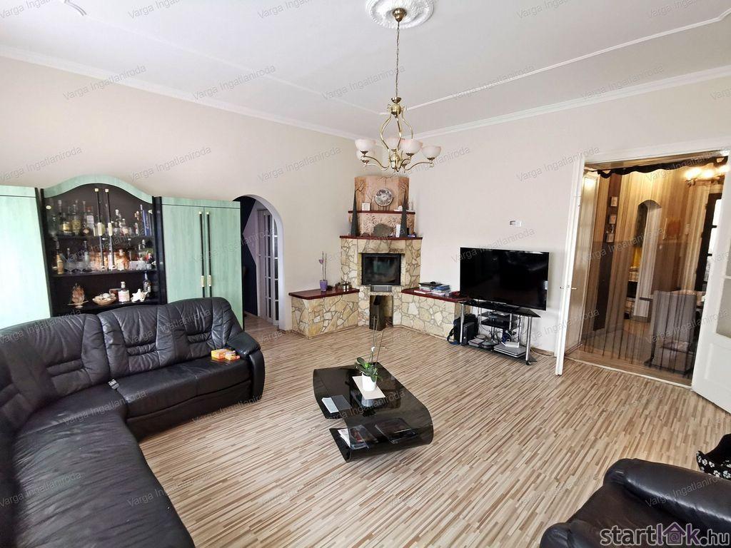 Soproni lakás