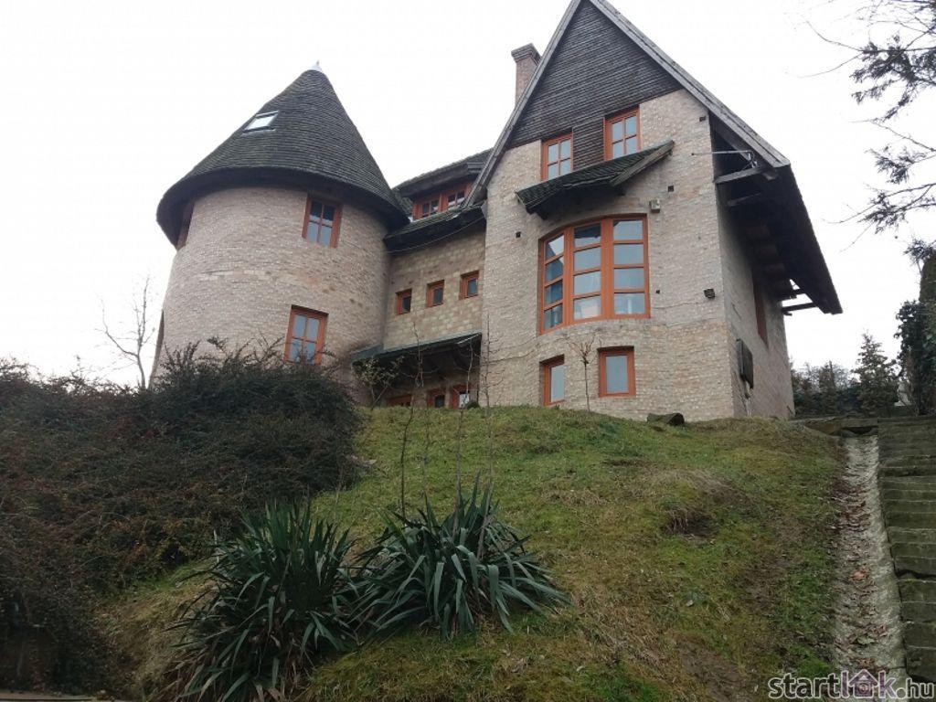 Eladó családi ház Solymáron