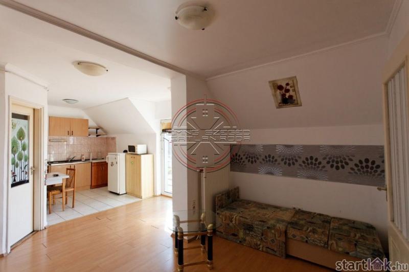 Szegedi kis lakás