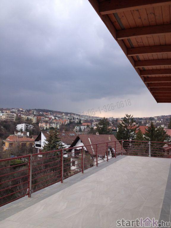 Tetőtéri luxuslakás Budapest III. ker.