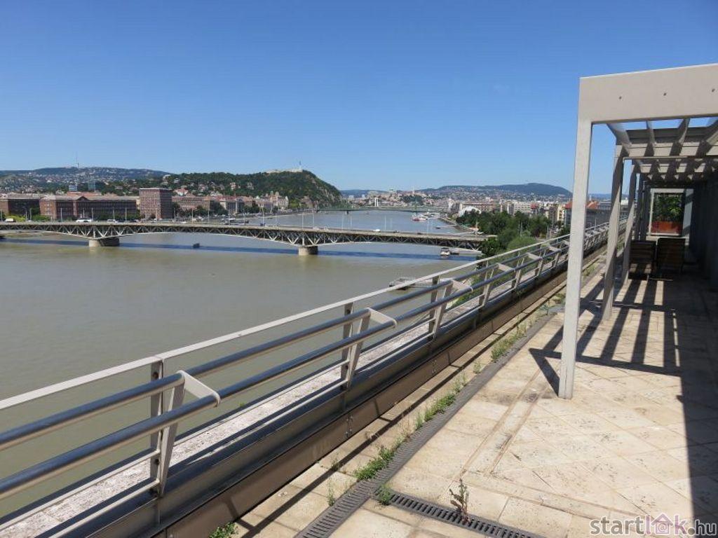 Dunai panorámás dupla lakás